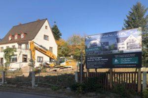 Lindengärten - Oktober 2019: Baubeginn - Die Bautafel steht